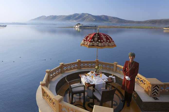 Champagne breakfast by Lake Pichola