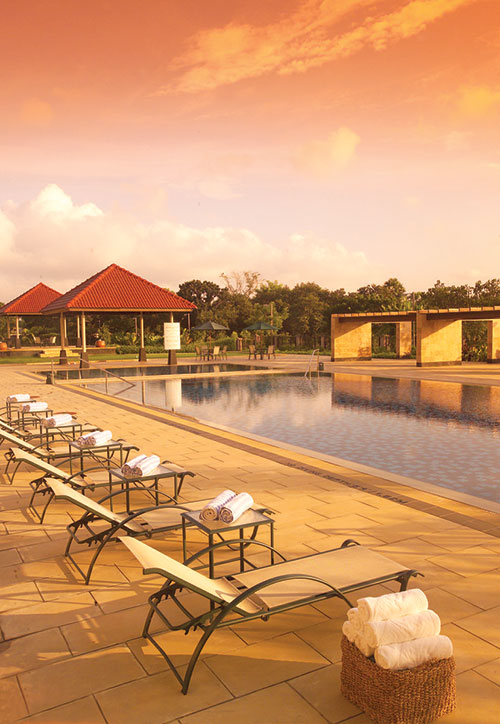 POOLSIDE PARTY | Sprawling green acres of the Radisson Blu Dhaka are set off by multiple avenues to relax at