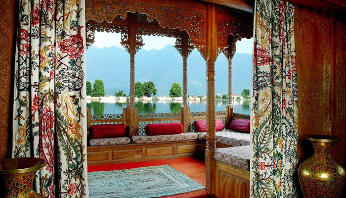 WOODEN MARVEL | The manner in which traditional craftsmanship has been incorporated into the Gurkha Houseboats with the use of intricate fabrics and wooden panels is remarkable