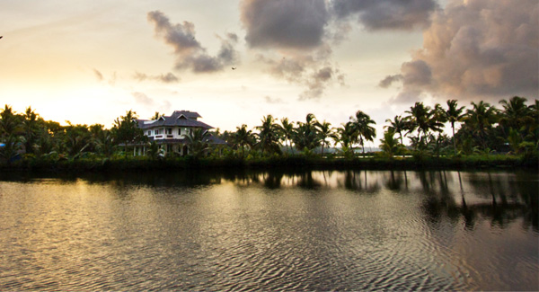 LUXE GOES PARADISICAL | The clouds, the birds, the villa and easy flowing waters against perfectly rustic sunset! Need we say more?