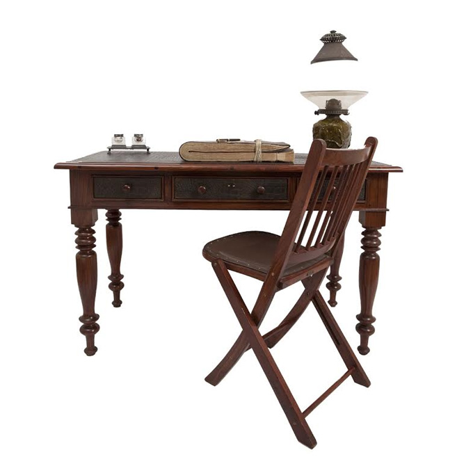Skinners Desk – Transporting you back to the bygone era, this very Raj-inspired creation is perfect accessory for your study