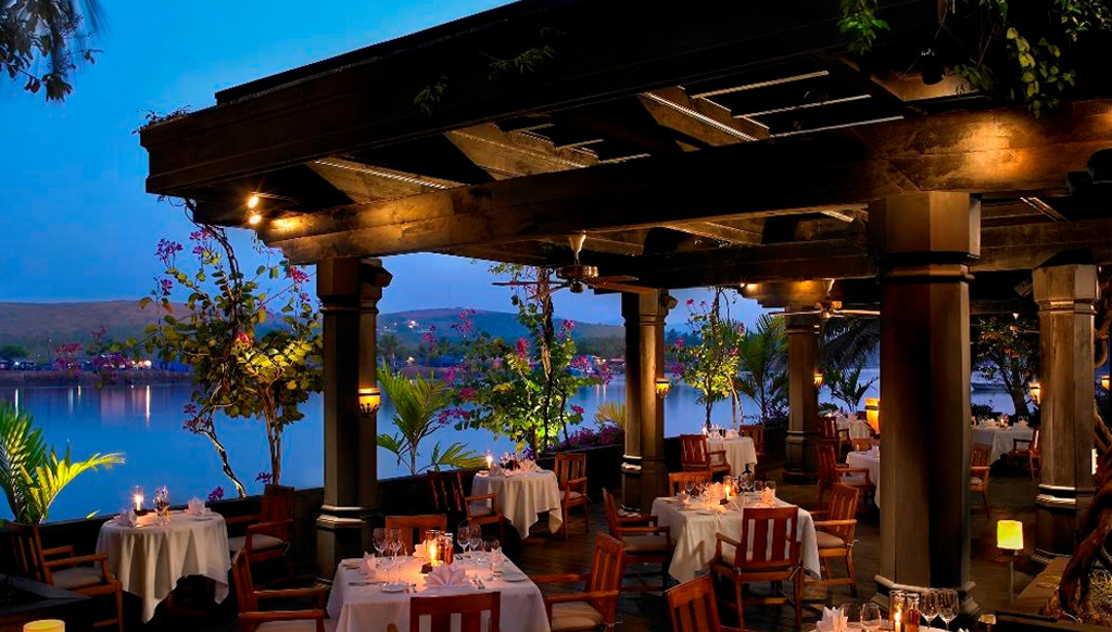 River View : For a meal with the View