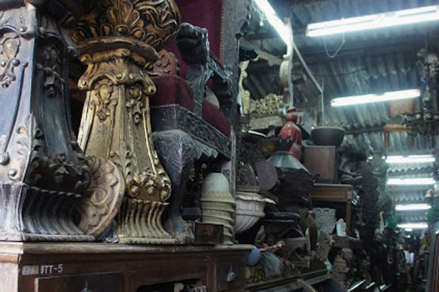 ANTIQUE HAUL | Happy treasure-hunting in the lanes of Oshiwara market, where you can get your chosen piece polished, upholstered and delivered