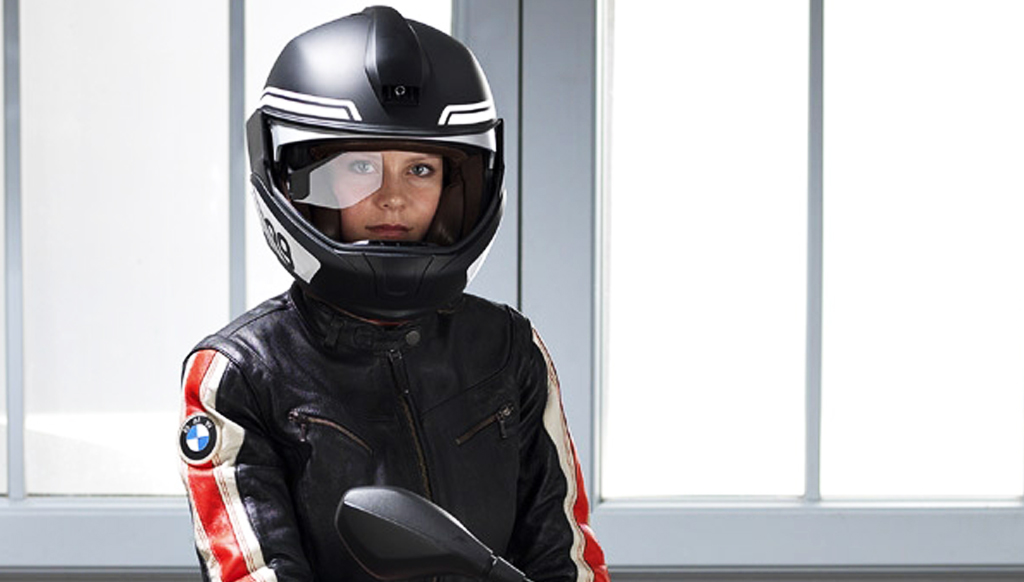 bmw s smart helmet for thrill bikers theluxecaf. Black Bedroom Furniture Sets. Home Design Ideas