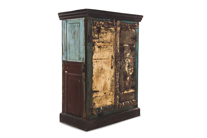 SHABBY CHIC | Cosmetic alterations to effect a vintage look and feel on objects is very much the trend now, but in the process one could lose sight of some real antique beauties