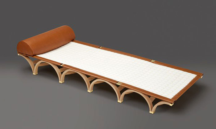 SLEEP-IN BEAUTY | Roll-up leather-edged canvas mattress with a Nomade-leather pillow