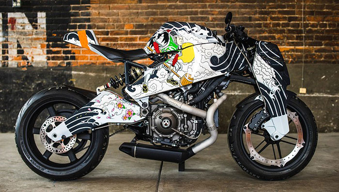 STRIKING TABLEAU | This hand-painted bike highlights the illustrations found in Japanese full-body tattoo work