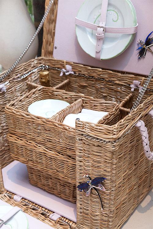 Lucie de la Falaise | Traditional wicker picnic basket