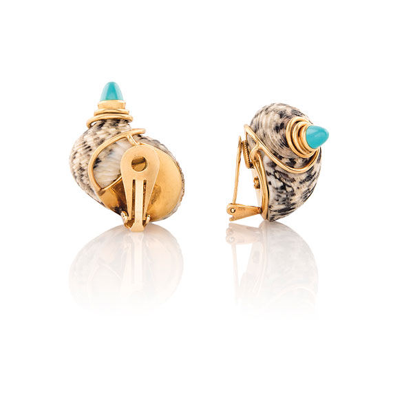 ECHOES OF HISTORY | Shell-shaped ear clips embellished with gold and turquoise mounts(Courtesy: Christie's)