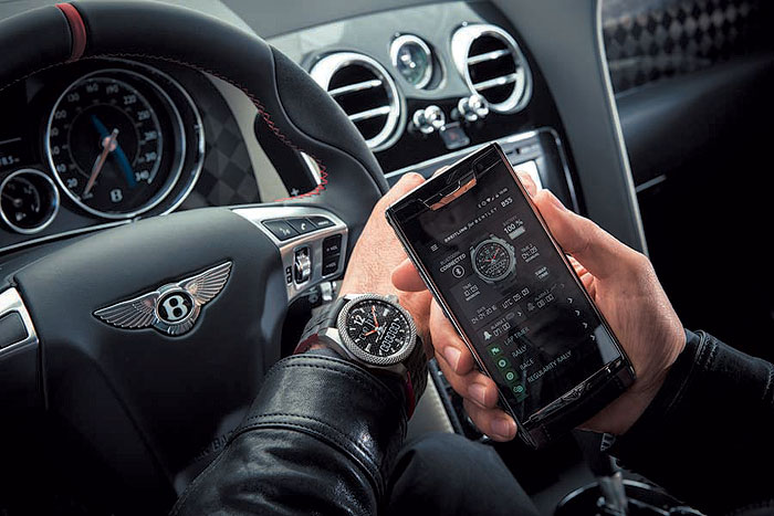 The Supersports B55 is a full fledged chronograph, with the smartphone connection used to enhance its functionality and to store or transmit data