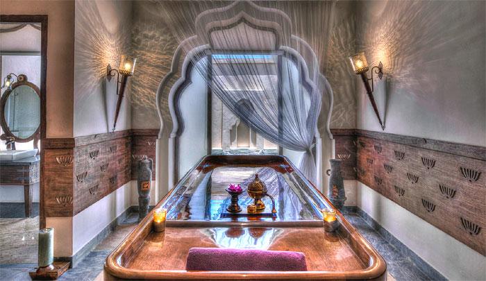 Lotus Mahal, the massage room