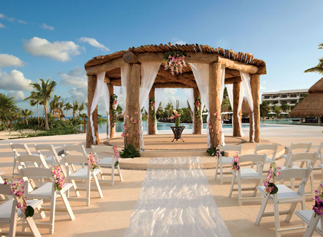 A beach ceremony, and maybe a cliff top reception at India's only cliff-top luxe resort