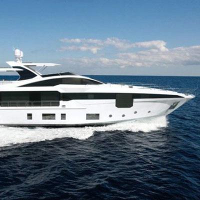 Azimut debuts the Grande 35 Metri superyacht