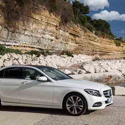 Riding on festive season, Merc-Benz sells record cars in single day