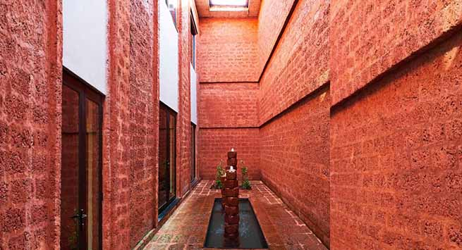 For the Goa home Vikram worked with a local architect with extensive use of laterite—even for the fountains
