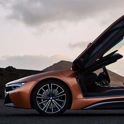 BMW finally unveils Roadster version of i8 hybrid sports car in LA