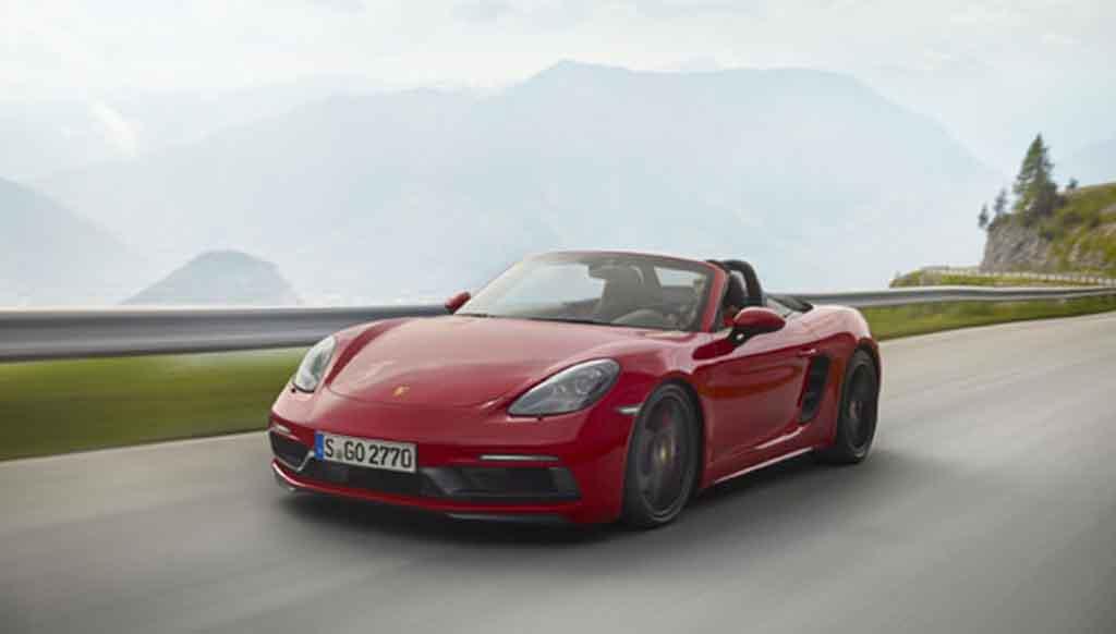 Porsche unveils 718 Boxster GTS at Los Angeles Auto Show